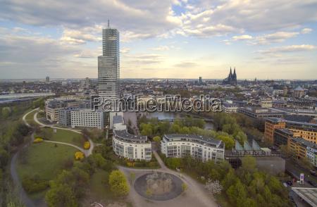 deutschland koeln cityview mit mediapark und