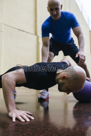 sport ball training uebung anstrengung bemuehung