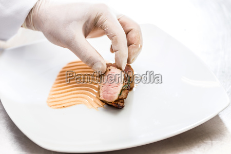 chef die zubereitung von speisen
