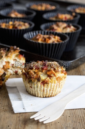 savoury muffins with peppers and tuna