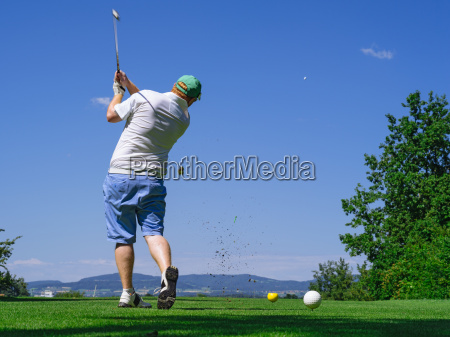 golfer playing on golf course