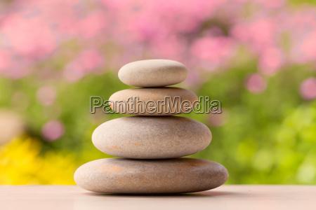 ausgleich kiesel zen steine u200bu200bim freien