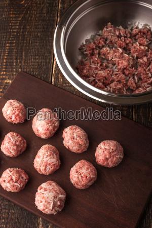 metall stopfend fleischwaren fuellung fleisch pfanne