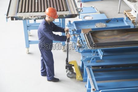 industrie industrieanlage maennlich mannhaft maskulin viril