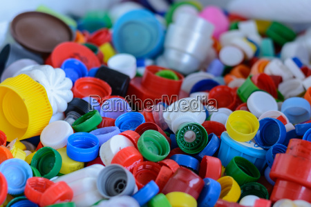bunte flaschenverschluesse recycling