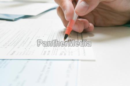 persone popolare uomo umano mano scrivere