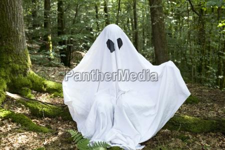 anonym geist spuk gespenst halloween kostuem