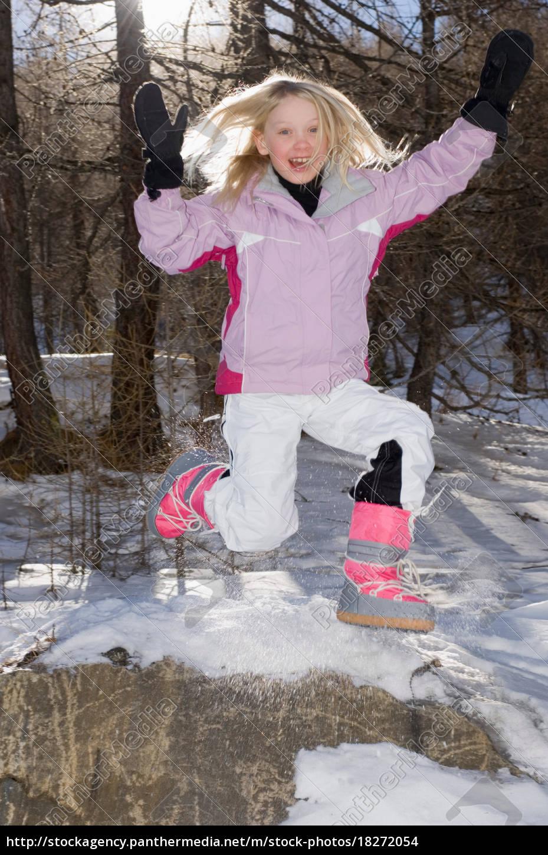 mädchen, springen, im, ski-outfit - 18272054