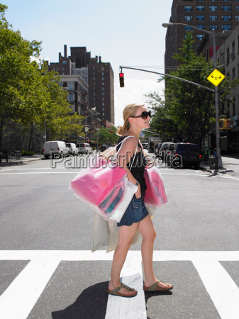 woman shopping in new york city