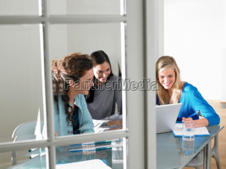business women working smiling