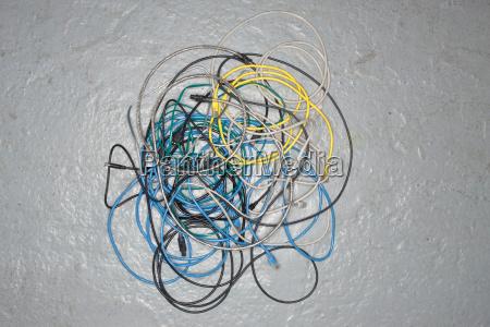 frust durcheinander kommunikation trubel kabel draht