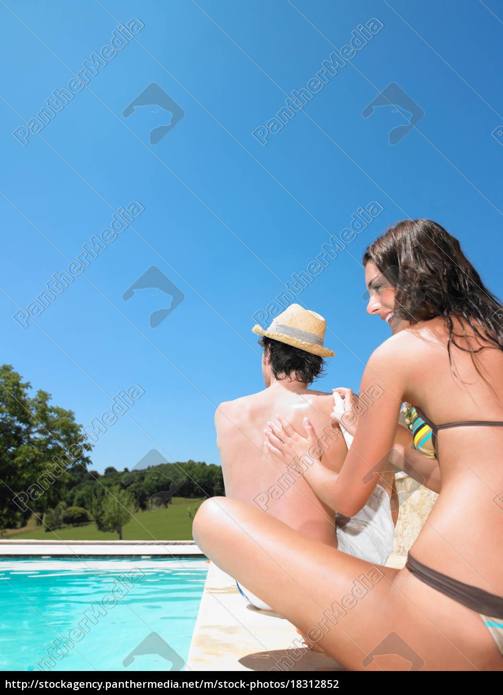 junger, mann, und, frau, nach, pool - 18312852