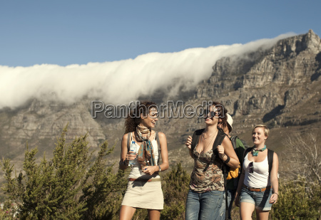 friends backpacking table mountain cape town