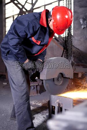 arbeiten, in, gusseiserner, gießerei - 18389448