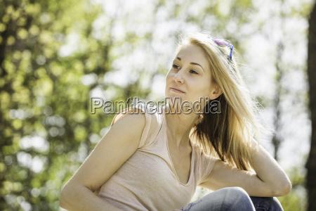 frau freizeit lebensstil wohlbefinden wohlergehen feminin