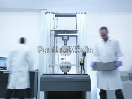 industrie wissenschaft maennlich mannhaft maskulin viril