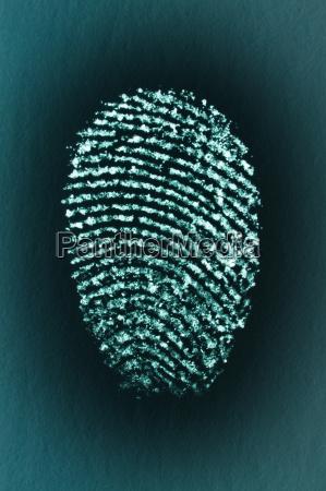 fingerabdruck des zeigefingers eines mannes