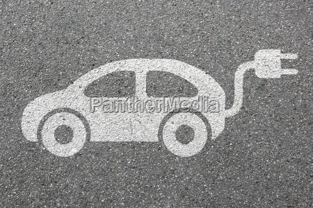 elektro auto elektroauto fahrzeug strasse verkehr