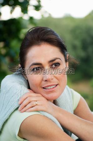 mid adult woman looking away portrait