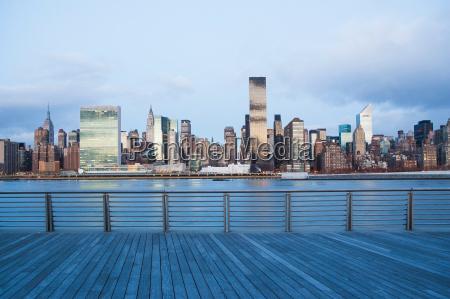 new york city skyline und waterfront