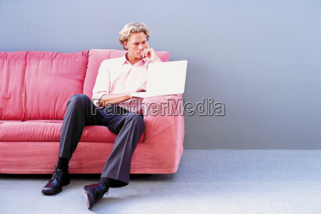 konzentration sitz sitzplatz sitzgelegenheit deal geschaeft