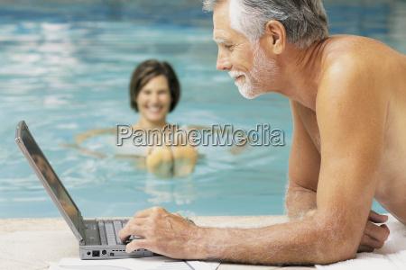 mann, und, frau, im, schwimmbad, mit - 18732262