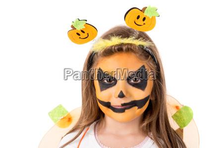 maedchen im halloween kostuem