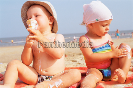 toddlers having ice cream on the