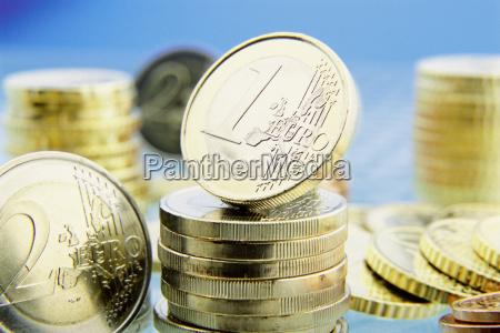 zahlungsmittel waehrung europa muenze glaenzend finanz
