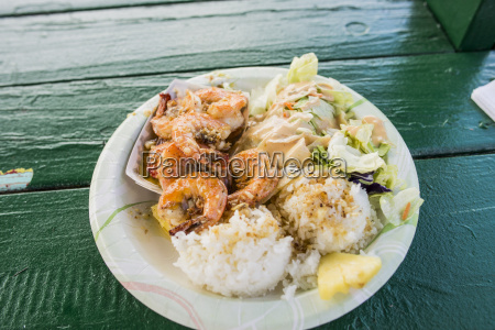 plate of garlic shrimp and rice