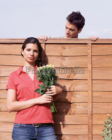 frau weiblich garten blume pflanze gewaechs