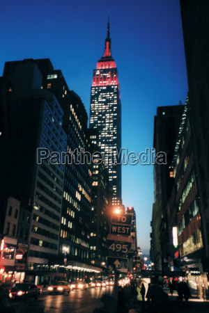 empire, state, building, by, night - 18814246
