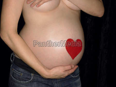 heart on pregnant womans heart