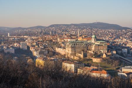 budapest baustil architektur baukunst ungarn palast