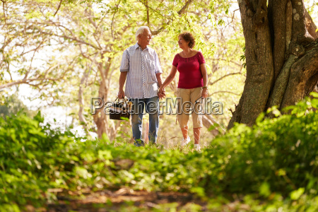 senior man woman old couple doing