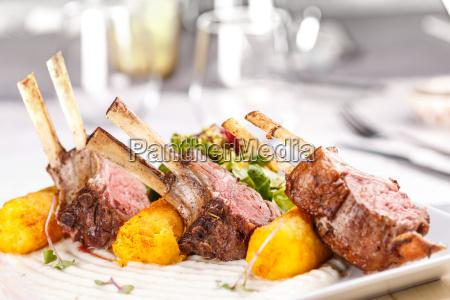 gebratene lammkoteletts