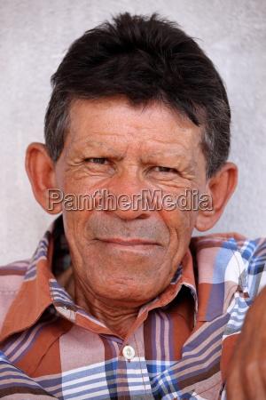 portrait eines brasilianischen farmers
