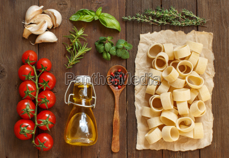 italian pasta vegetables herbs and