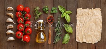 gemuese kraeutern und olivenoel mit handwerk