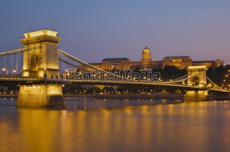 the chain bridge szechenyi lanchid over