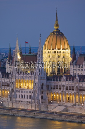 the neo gothic hungarian parliament building