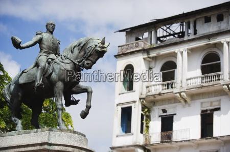 statue of general tomas herrera historical