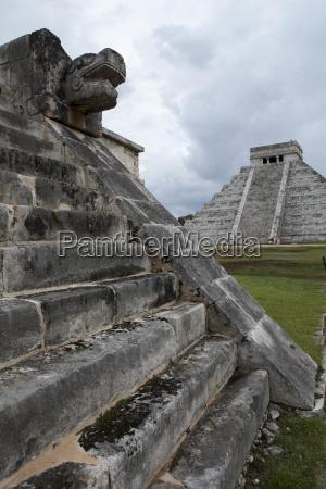 venus platform with kukulkan pyramid in