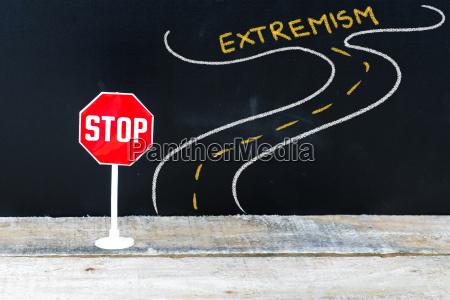 mini stop zeichen auf dem weg