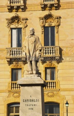 garibaldi statue 1890 trapani sizilien