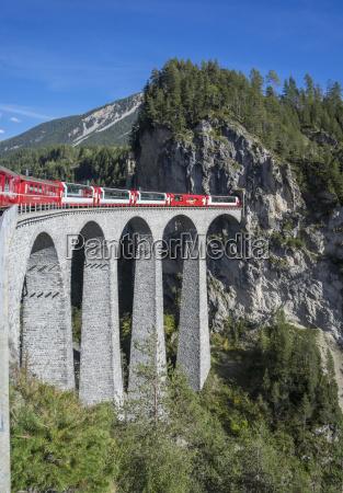 landwasser viadukt filisur graubunden swiss alps