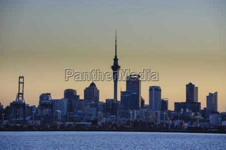 skyline von auckland nordinsel neuseeland pazifik