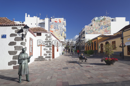 wall painting plaza espana in the