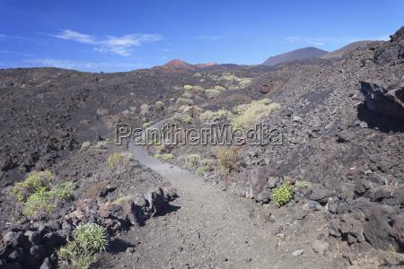 ruta de los volcanes hiking path