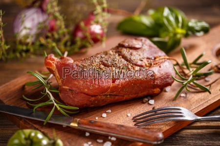 geraeuchertes schweinefleisch